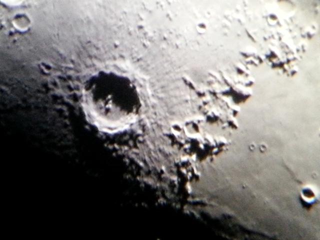 Mond 4