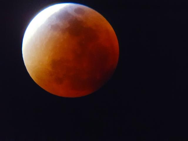 Mond 5
